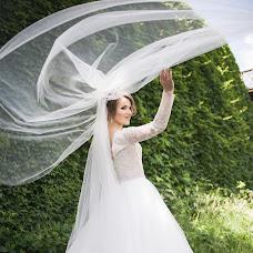 Wedding photographer Olya Naumchuk (olganaumchuk). Photo of 09.06.2018