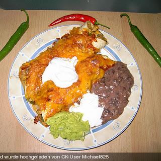 Mexikanische Puten - Enchiladas mit Guacamole und Bohnenmus