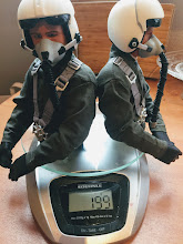 Photo: Nachweis des Gewichtes von zwei 1:5 Piloten