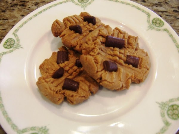 Peanutbutter Cookies With Chocolate Chunks Recipe