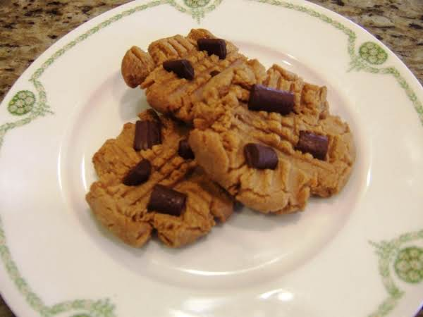 Delicious Peanut Butter Cookies N Chocolate Chunks