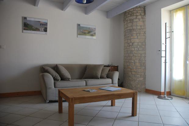 Cuarto de estar con wifi y tele - Casa rural de alquiler para 3 personas en Surgeres cerca de La Rochelle costa atlantica de Francia