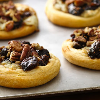 Fig and Blue Cheese Appetizer Tarts.