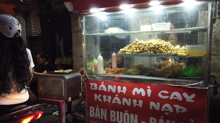 Bánh mỳ cáy Khánh Nạp nổi tiếng đường Hàng Kênh ở Hải Phòng 3