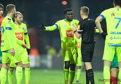 """De Bleeckere geeft ref in KVO-Gent gelijk: """"Zijnarmis weg van het lichaam en boven schouderhoogte"""""""