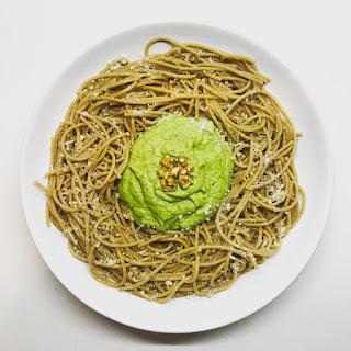 15-minute Creamy Avocado Spinach Spaghetti.