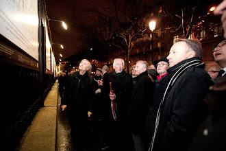 Photo: 5 décembre 2012 - Inauguration de l'exposition sur les grilles du Jardin du Luxembourg  © Photo Sénat / Cécilia Lerouge / Droits réservés