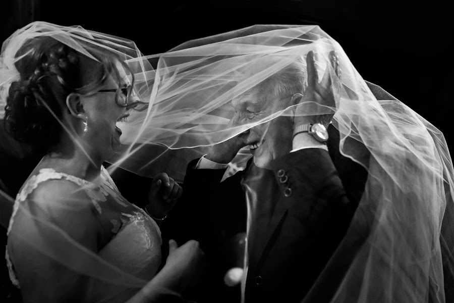 Wedding photographer Isabelle Hattink (fotobelle). Photo of 25.03.2016