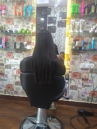 Makme Salon photo 1