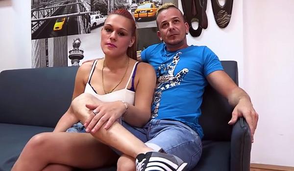 El primer intercambio de parejas de su vida y todo un capricho: Alex y Lara follan con Nata Lee y Julian Belmonte.