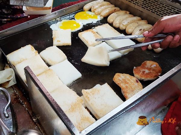 王記菜頭粿糯米腸~第二市場在地人必吃台灣味/老賴豆香紅茶