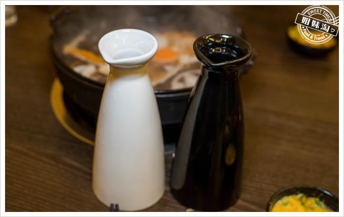 井兵衛壽喜燒黑與白水與醬