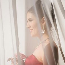 Wedding photographer Yuliya Valeeva (Valeeva). Photo of 03.03.2016