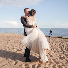Wedding photographer Irina Selezneva (REmesLOVE). Photo of 24.07.2017