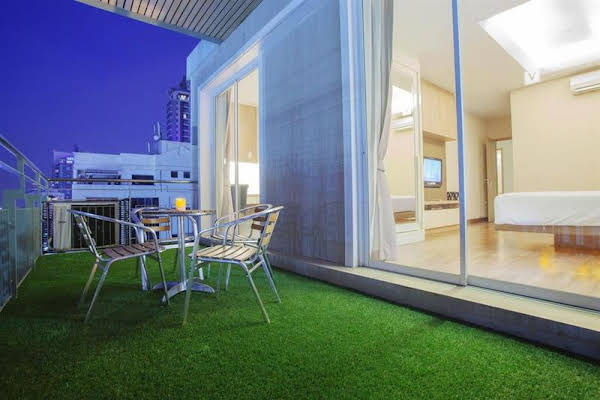 V Residence and Serviced Apartment
