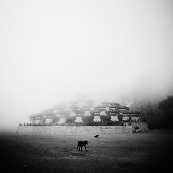 Photo: Фотограф Хенгки Коентйоро (Hengki Koentjoro).108 ступ, Бутан