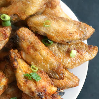 Extra Crispy Baked Chicken Wings with Garlic.
