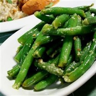 Spicy Indian (Gujarati) Green Beans