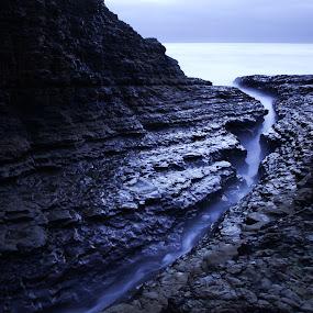 The Crack by Surentharan Murthi - Landscapes Mountains & Hills ( davenport, water, crack, california, sea, ocean, rock, river )