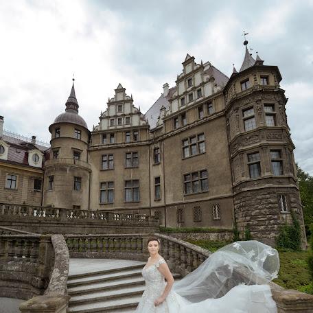 Wedding photographer Greg Moment (GrzegorzMoment). Photo of 17.11.2017