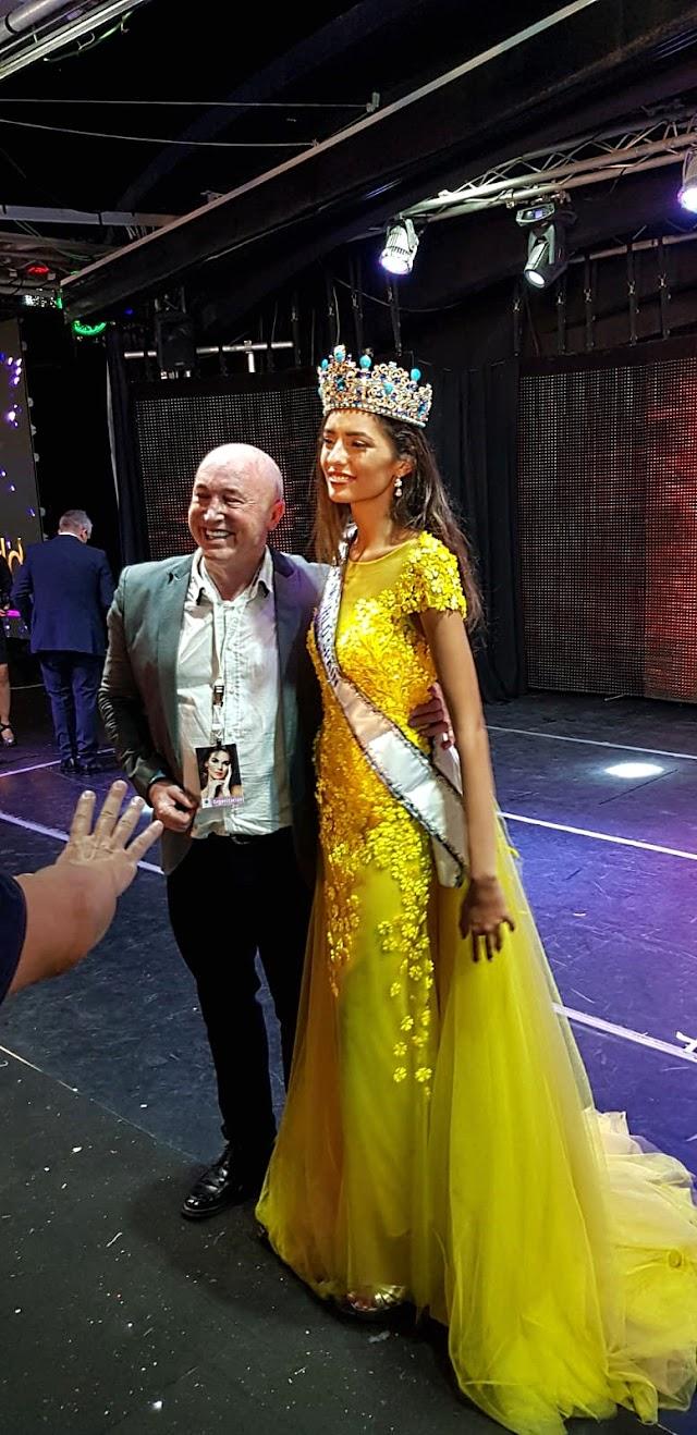 Paco Wandosell junto a la almeriense Ana García Segundo, Miss Mundo España 2020.