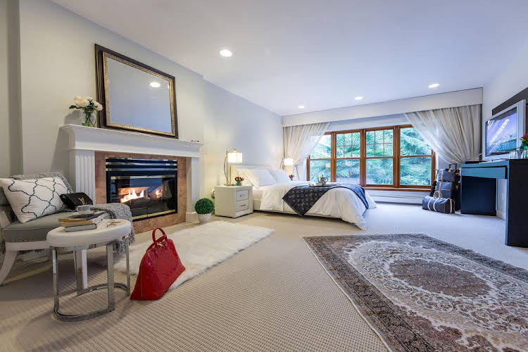 6 Bedroom House in West Vancouver
