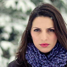 Snowing by Ionut Stoica - People Portraits of Women