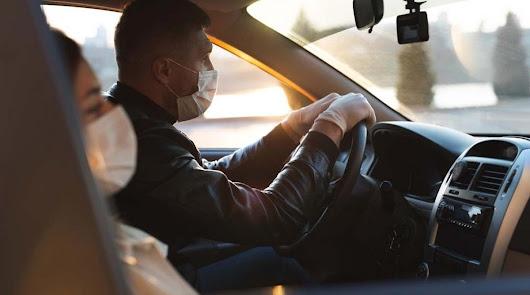 En la fase 2 se reanudan los exámenes de conducir en Almería con el uso de guantes y mascarilla.