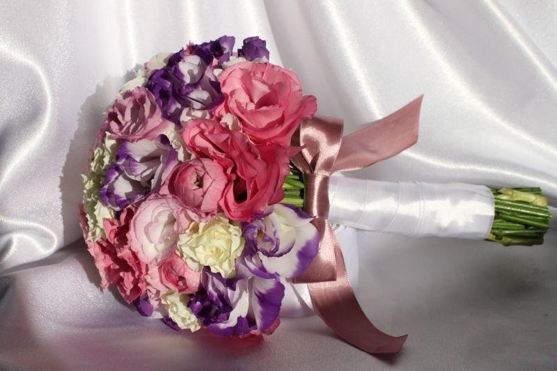 Букет невесты из эустом