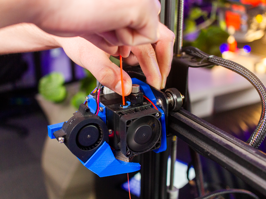 The e3D Hemera has a tension release integrated into the filament path for easy loading and unloading.