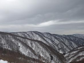 山頂からの展望2(左奥に上谷山)