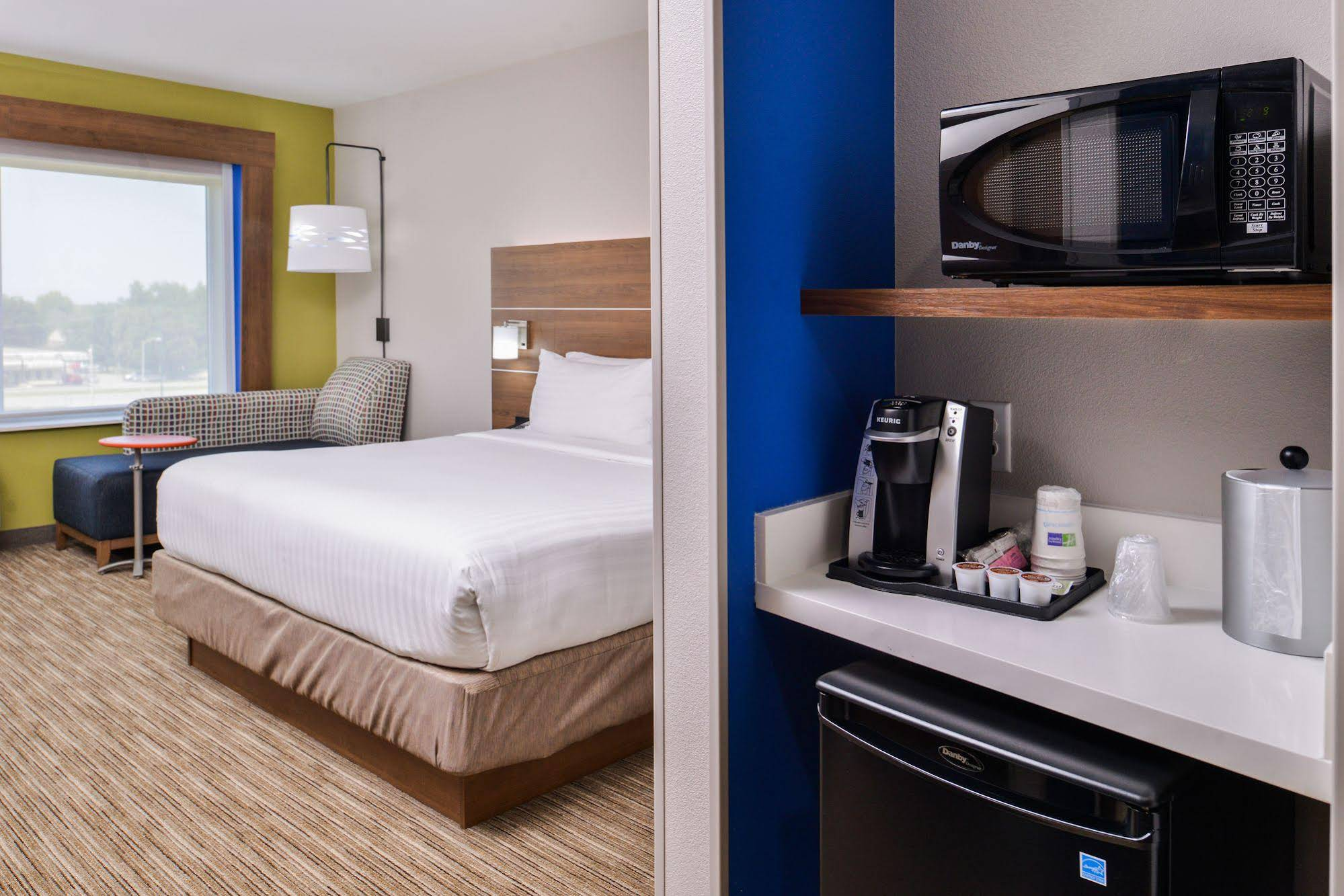 Holiday Inn Express and Suites Siloam Springs