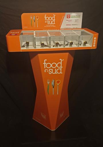 station recharge batterie telephone orange food in sud support communication design et pratique