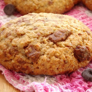 The Best Ever Healthy Chocolate Chip Cookies