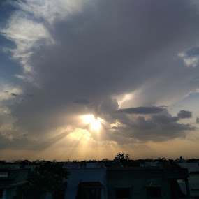 Sunset Rays by Manish Upadhyay - Instagram & Mobile Android ( mobilography, sunset, mobile photos, rays, mobile )
