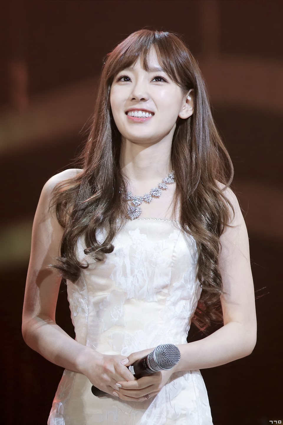 taeyeon gown 7