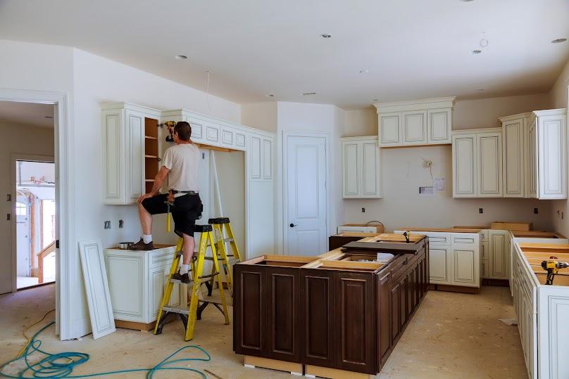 Poprzez odnowienie mebli kuchennych można nadać kuchni nowy wystrój