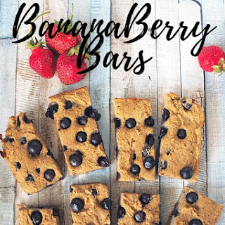 Clean-Eating BananaBerry Bars