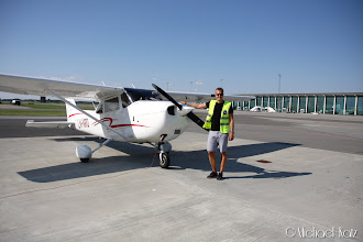 Photo: Anders og LN-NRO på Aalborg Lufthavn.