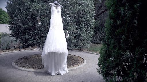 Labtec Prod | Vidéaste mariage | robe de mariée a courroux - Provence