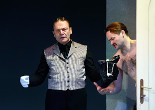 Photo: Wien/ Theater in der Josefstadt: DER GOCKEL von Georges Feydeau. Inszenierung: Josef E. Köpplinger. Premiere 19.11.2015. Alexander Strobele, Roman Schmelzer. Copyright: Barbara Zeininger