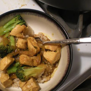 Sriracha-Glazed Chicken With Onions and Broccoli