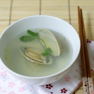 Hamaguri Ushio-jiru (Clear Clam Soup).