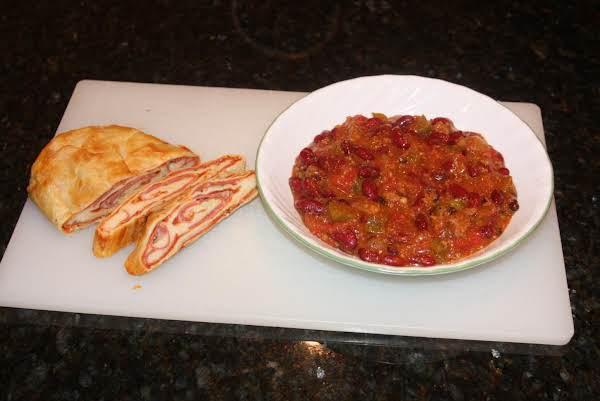 Chili Con Carne With Stromboli Side