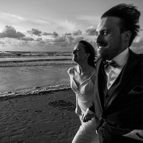 Wedding photographer Vladislav Sakulin (VladislavSakulin). Photo of 19.12.2017