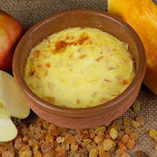 Semolina Pudding With Apples And Raisins