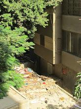 Photo: la basura que se acumula en los techos vecinos