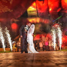 Wedding photographer Gustavo Moralli (sucessofotoefilm). Photo of 09.12.2017
