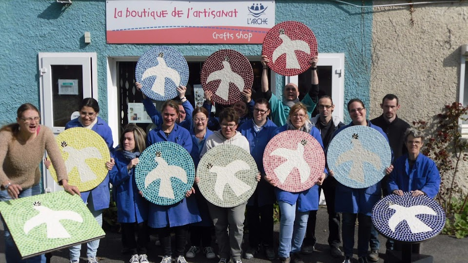 journee-team-building-avec-le-personnes-handicapees-de-larche-et-les-collaborateurs-daxa