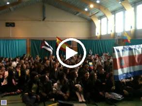 Video: Carnaval et les élèves Collège de Mornant (42) oragnisé par Mme POLI (Enseignante d'Espagnol)